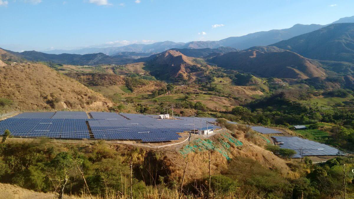 Puesta en Marcha San Pedro y Tambo. Ecuador. Fotovoltaica. PV